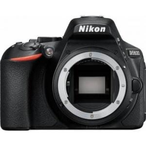 Nikon D5600 black + AF-P 18-55mm VR (VBA500K001)