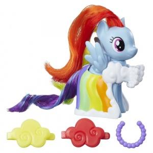 Hasbro Rainbow Dash cu Accesorii de Gala